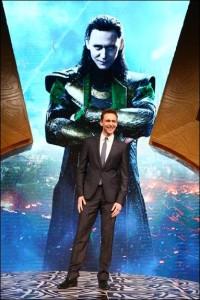 Tom Hiddleston is on the Move! #ThorDarkWorldEvent