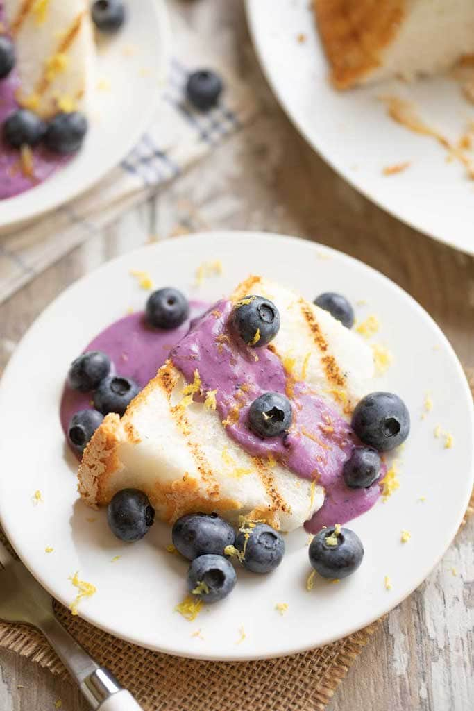 angel food cake with blueberries