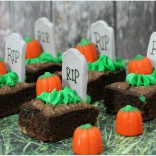 halloween brownies with candy pumpkins on top