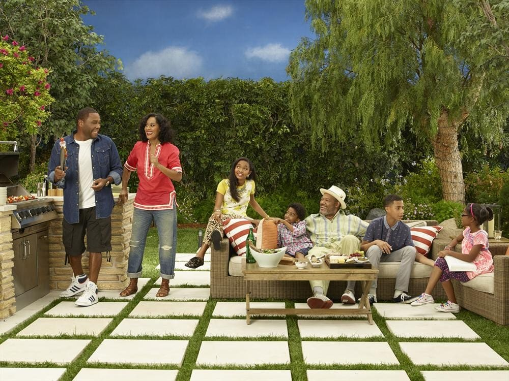 """Caption & photo credit: ABC's """"black-ish"""" stars Anthony Anderson as Andre """"Dre"""" Johnson, Tracee Ellis Ross as Rainbow Johnson, Yara Shahidi as Zoey Johnson, Miles Brown as Jack Johnson, special guest star, Laurence Fishburne as Pops Johnson, Marcus Scribner as Andre Johnson, Jr., and Marsai Martin as Diane Johnson. (ABC/Bob D'Amico)"""