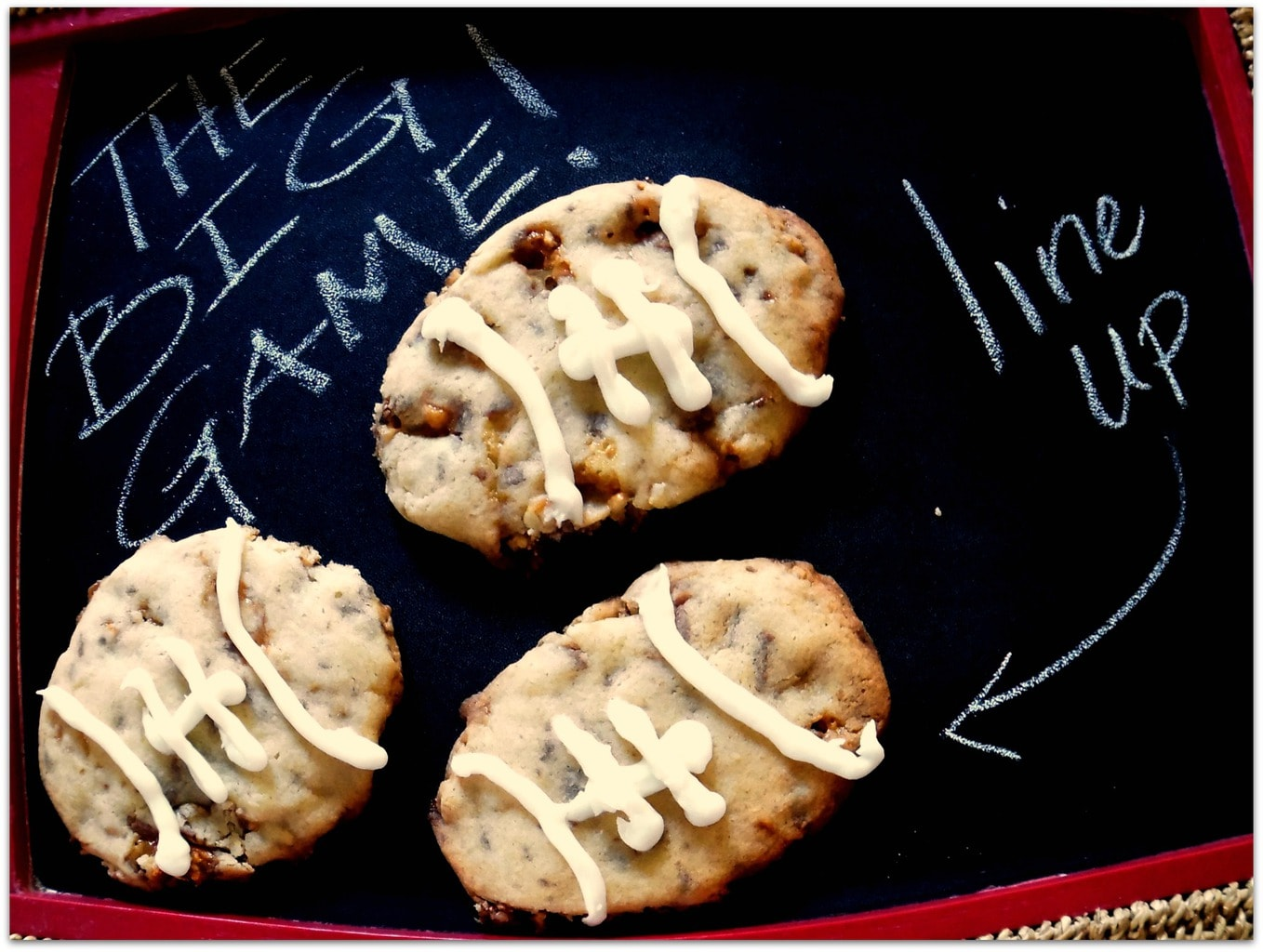 Need a great recipe to bring to that tailgate party? Why not make these Snickers Snaps Cookies? I love desserts that don't need utensils, too, and you can grab these cookies and get back to the game!