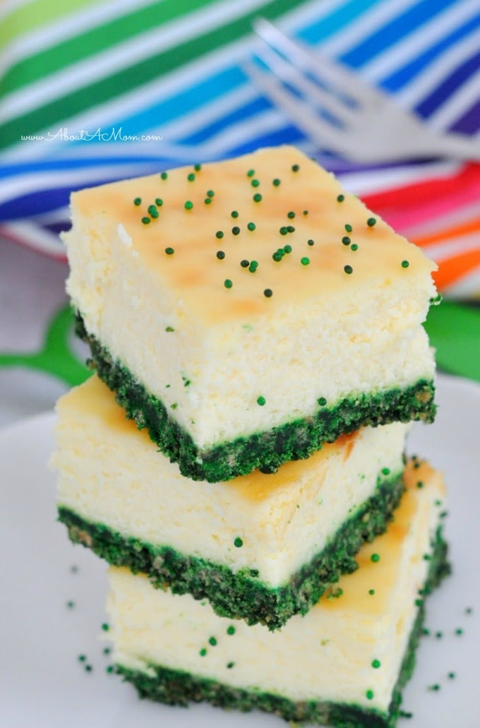 These easy recipes for St. Patricks Day desserts will make you look like a baking star! These recipes for cupcakes and desserts are perfect for your party.