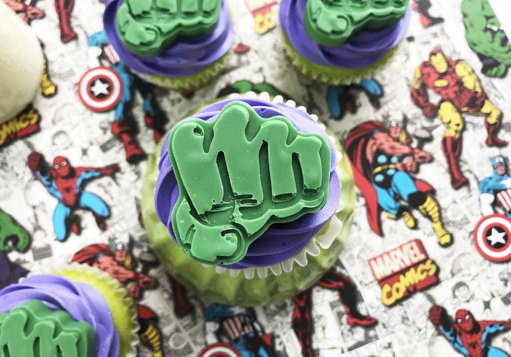 Cupcakes with fist of Hulk on top