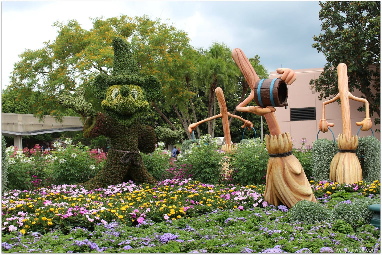 Epcot International Flower And Garden Festival 2015 Monkeykingdomevent Food Fun Faraway Places
