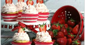 Cupcakes are one of my favorite foods. Desserts are usually my go-to when bringing food to a party, and these Strawberries and Cream Cupcakes are so delicious!