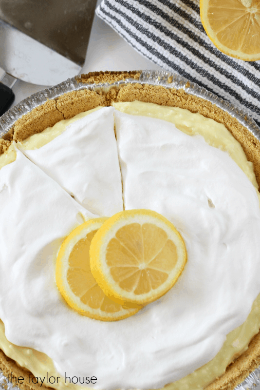 This round up of pie recipes has 15 desserts to choose from for your summer party! Don't buy a store made pie when you can DIY one of these easy recipes!