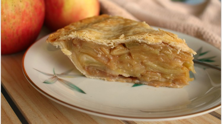 Apple pie slice horiz