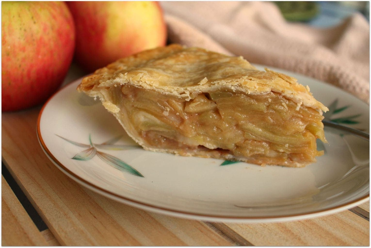 Delicious & Easy Homemade Apple Pie Recipe - Food Fun ...