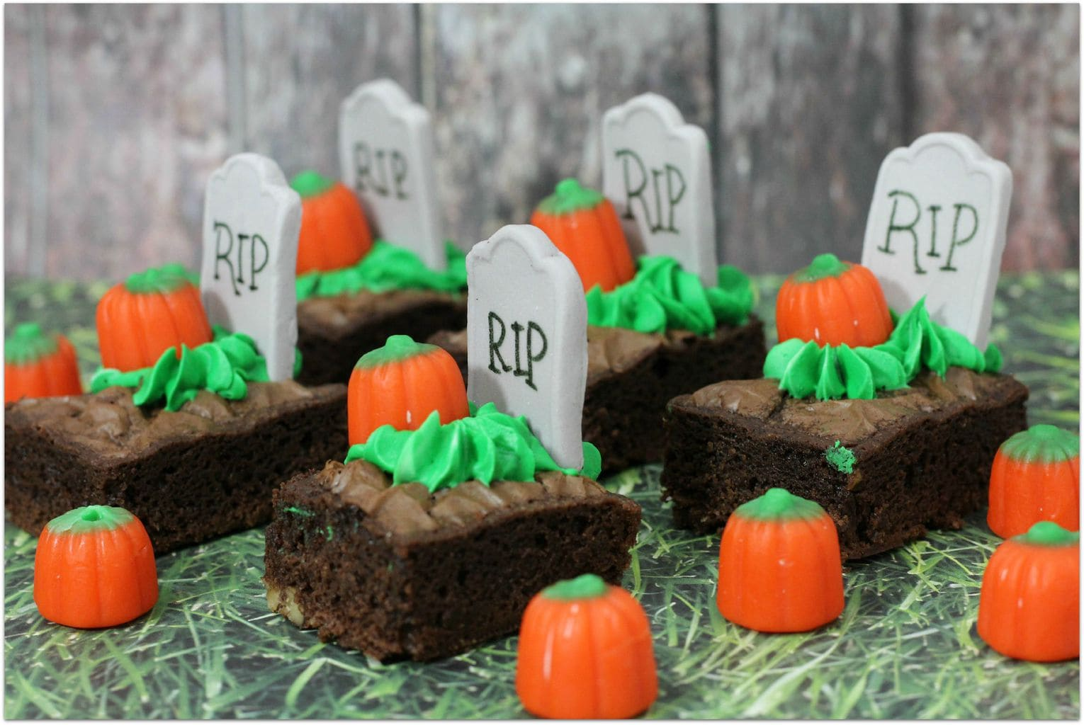 these halloween brownie bites are the perfect dessert to take to your childs halloween party halloween brownie bites recipe
