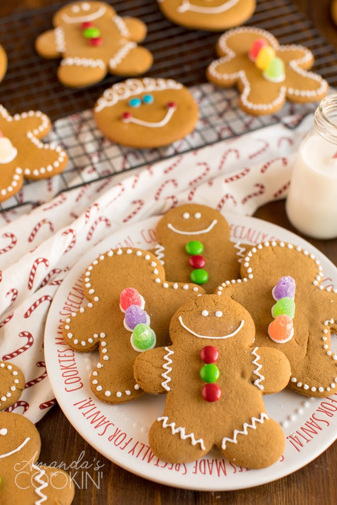 Who's ready for Christmas cookie recipes? It's almost that most wonderful time of the year!