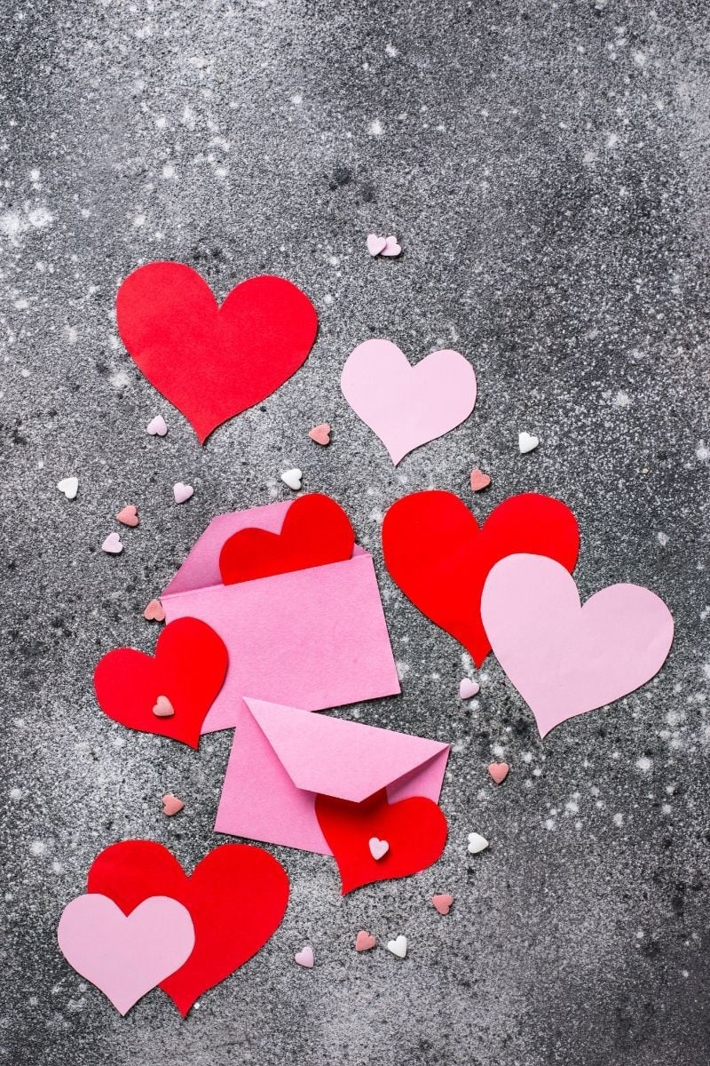 Valentine's Day cards and hearts