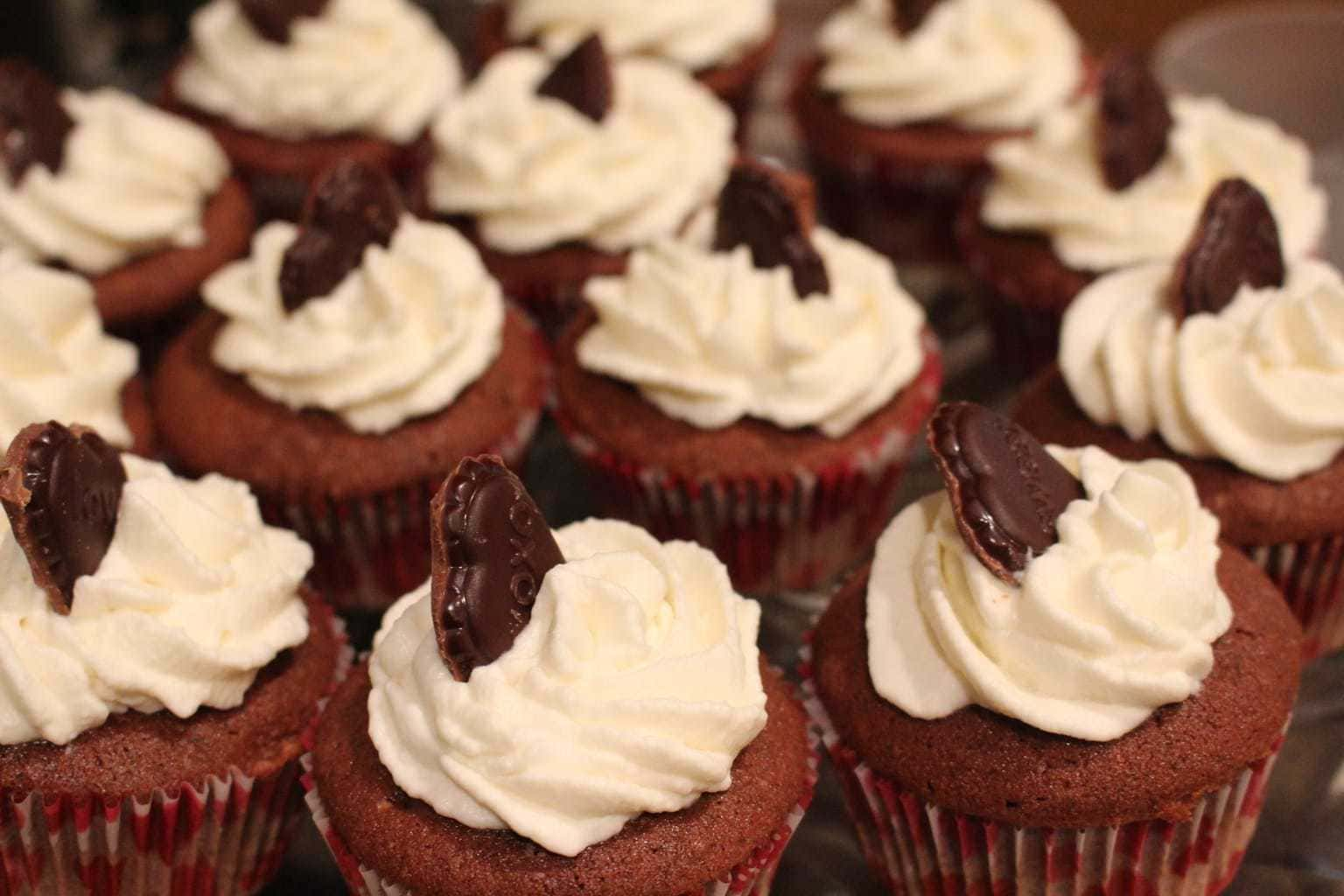 Who knew red wine and chocolate would be so spectacular in a cupcake? This easy recipe is perfect for your wine and chocolate tasting! When you're looking for a dessert for adults, this is the perfect choice. These cupcakes are so delicious!