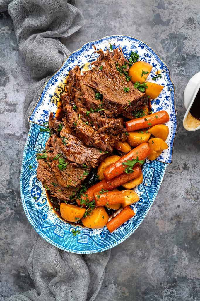 slow cooker beef with onions and carrots