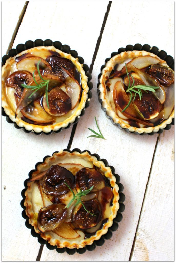 What could be better than a pear, fig and gouda tart made with delicious gouda from Wisconsin Cheese?