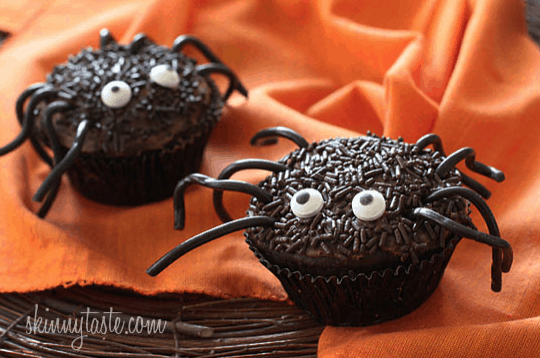 These Weight Watchers Halloween recipes will help you enjoy the holiday right along with your friends! You don't have to tell them these are Weight Watchers!