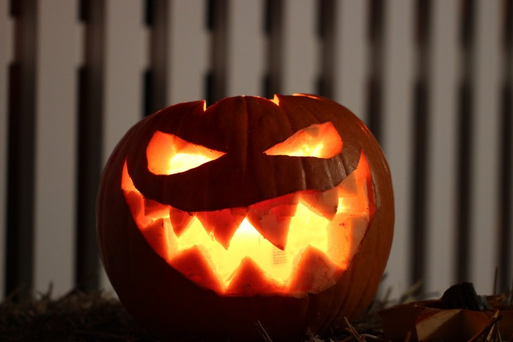 Looking for some delicious Weight Watchers Halloween recipes? You've found them! I was actually surprised (and grateful!) that so many people thought to make Halloween recipes with the points system in mind.