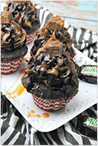 Have you ever had a Milky Way cupcake? Everyone loves a Milky Way candy bar. Can you imagine how delicious a Milky Way cupcake would be? Pure Heaven.