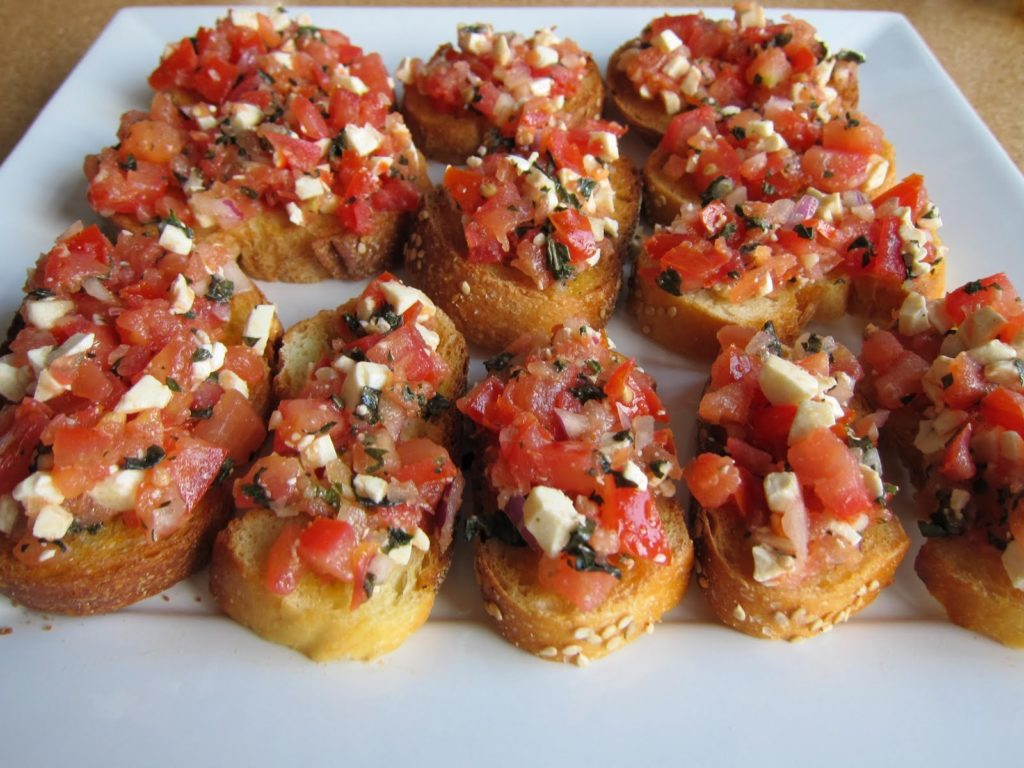 I could seriously combine a couple of these Weight Watchers appetizers for dinner any night of the week. Eating appetizers is my favorite way to dine!
