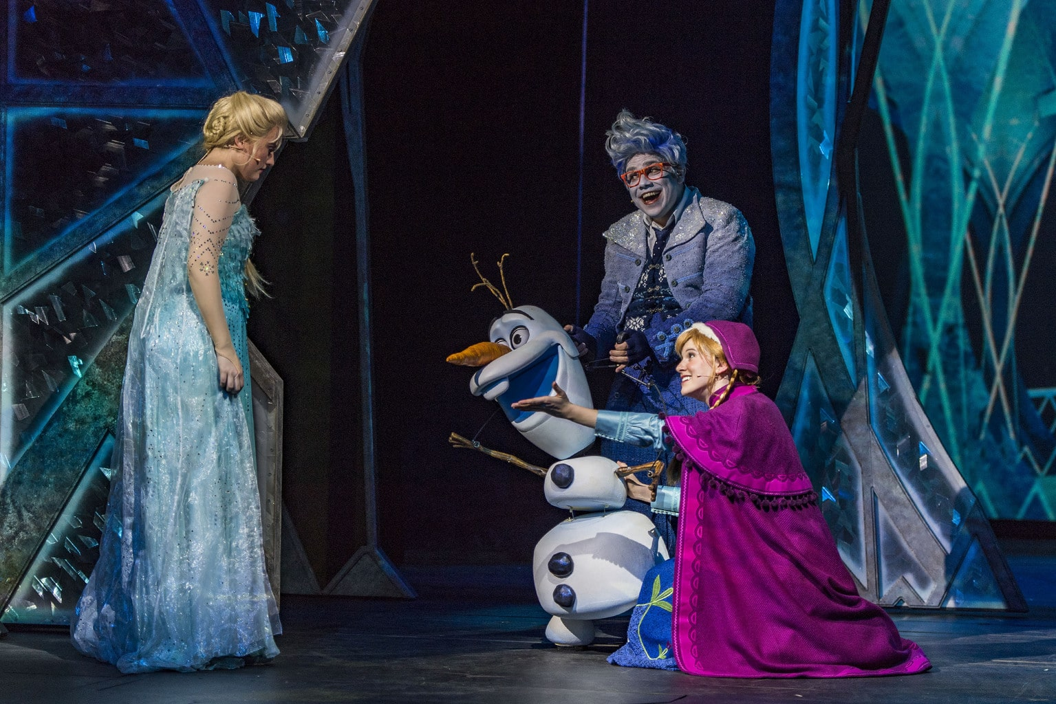 Earlier this month I had the honor of attending Frozen, A Musical Spectacular aboard the Disney Wonder. I have to say I was amazed!