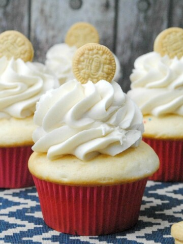 You are going to want to head to the kitchen with the kids today to make these Golden Oreo Cupcakes! Who doesn't love Golden Oreos?