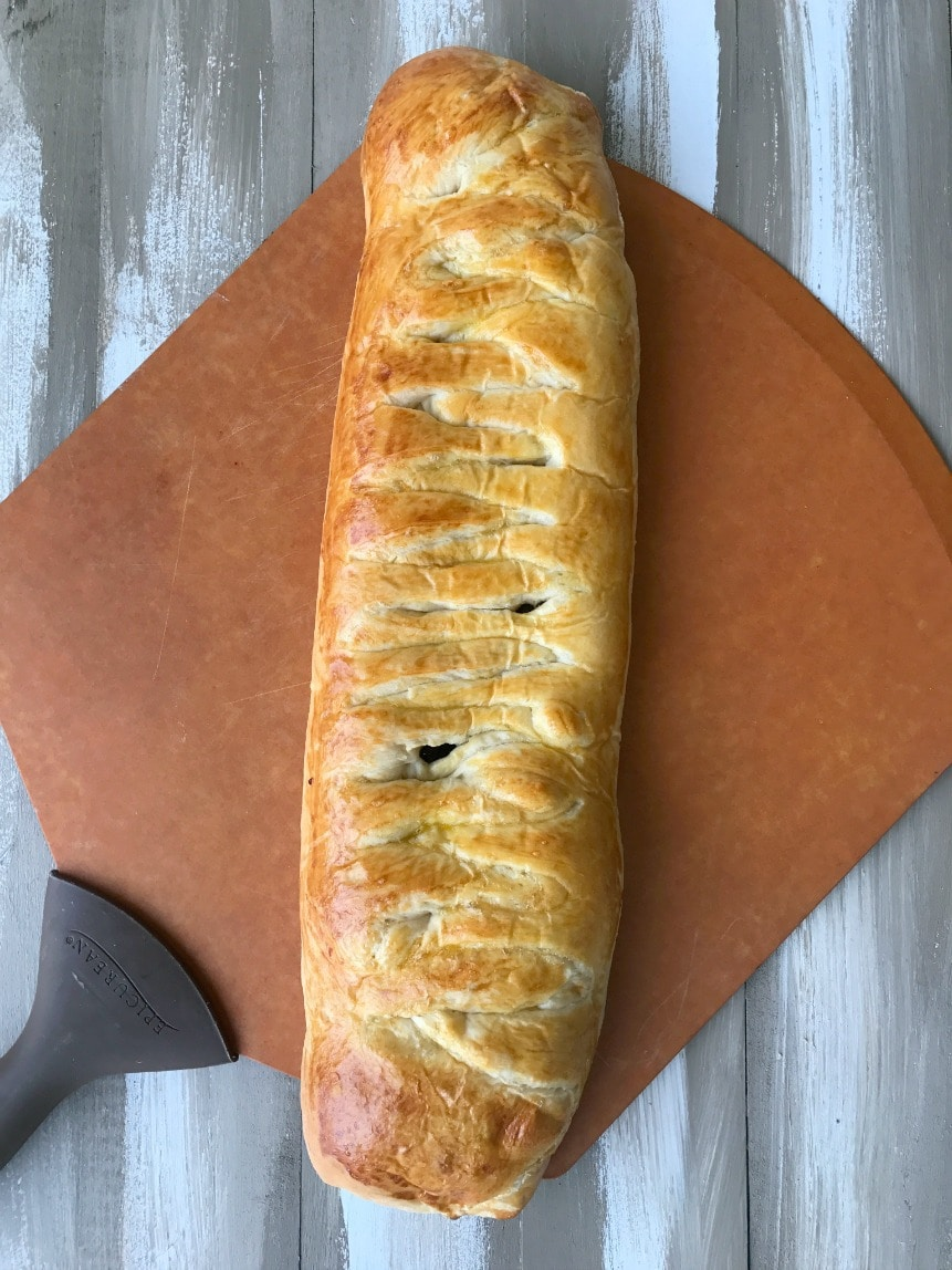 This Cranberry Brie Braid is one of my go-to recipes for a party. It's easy, elegant and so delicious. Let's keep it between us how easy it is to prepare!
