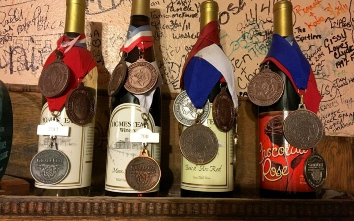 I'm betting you've never thought to visit Grapevine for wine. When most of us think of having access to over 300 wineries, great restaurants, and beautiful weather all year long, our minds naturally go to California, not Texas.
