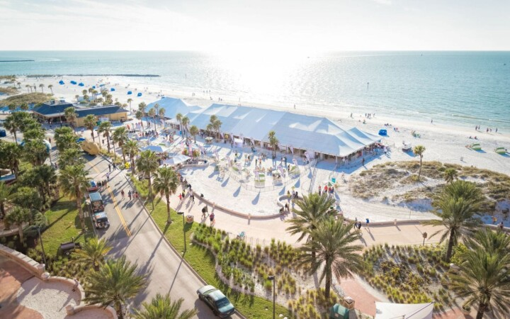 Have you been to Clearwater Beach Uncorked? Let me just say, there's nothing more fun than drinking and eating with your toes in the sand!