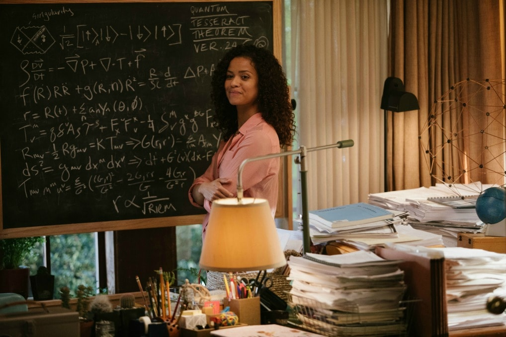 In A Wrinkle In Time, Dr. Kate Murry, played by Gugu Mbatha-Raw, struggles with parenting alone while continuing her research to try to find out how and why her husband strangely and suddenly disappeared.