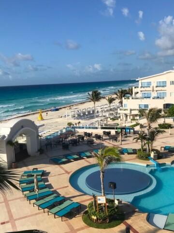 Choosing a Cancun all-inclusive family resort is a smartdecision if you want to relax and enjoy your vacation. Worrying about all the little things that add up is not worth the stress.