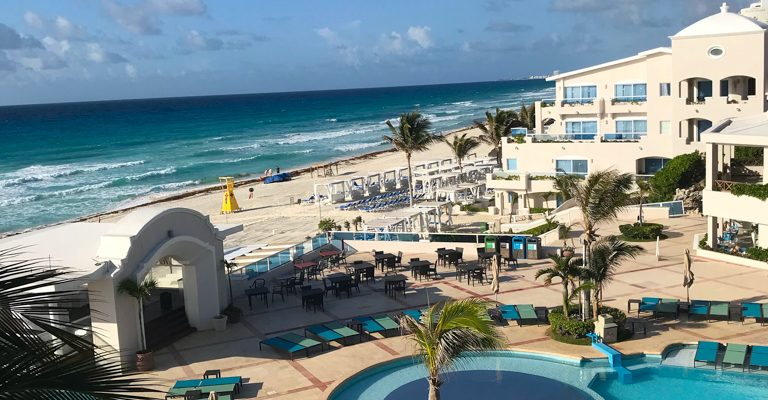 6 Reasons to Choose a Cancun All-Inclusive Family Resort