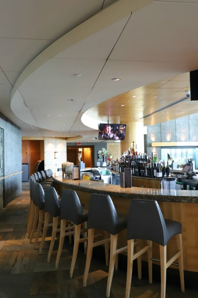 Now that I've experienced the Fairmont Vancouver Airport Hotel, I actually would not want to miss it the next time I'm traveling to Vancouver.