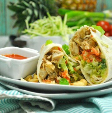 You are going to fall head over heels for this new Weight Watchers Thai Chicken Wrap recipe!