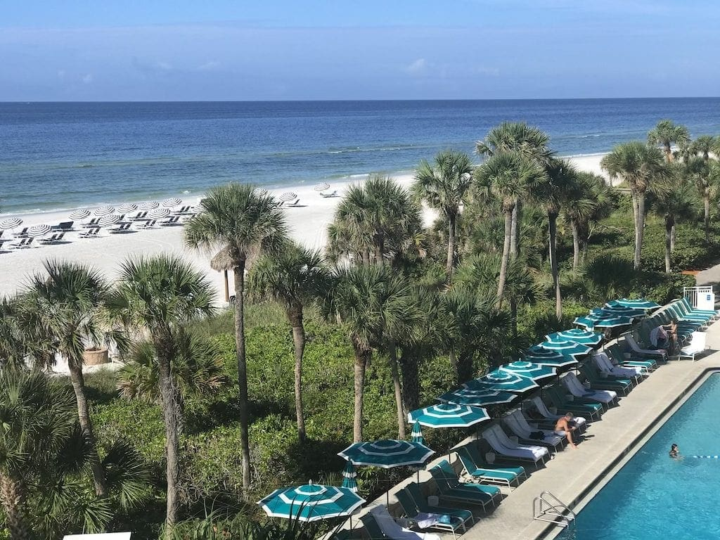 If you are shivering your way through the winter with a longing for warmer climes, a Longboat Key, Florida vacation might be just what you need. Longboat Key Resort & Spa, an upscale resort locatedin Sarasota County on Florida's west coast, has allthe ingredients needed for relaxing beach vacation.
