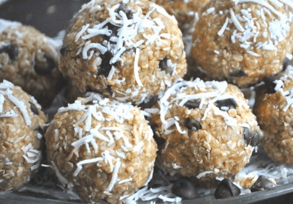 These easy Weight Watchers Desserts recipes taste like they have a lot more points than they actually have. Let me know which one is your favorite!