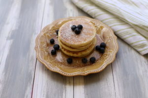 Who else loves fruit pancakes? They are such an easy breakfast, and I always make too many on purpose so I have to freeze some for later!