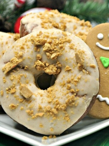 What could be better than a gingerbread recipe on Christmas morning? Can you imagine the faces on those kiddos when they wake up to these donuts?
