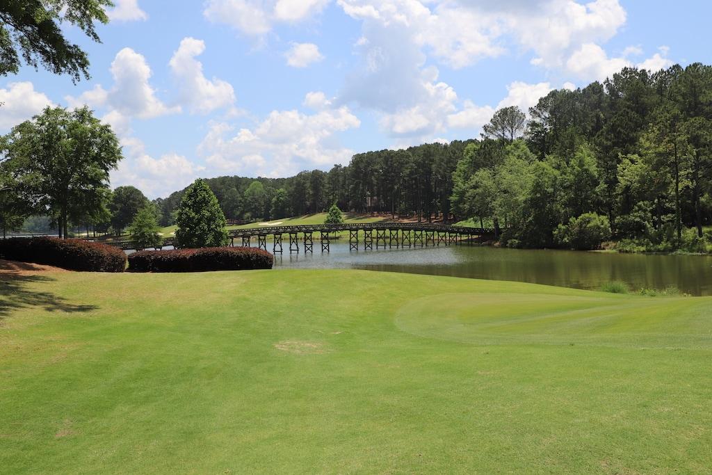 Championship golf awaits at Ritz Carlton Reynolds Lake Oconee, located on beautiful Lake Oconee in Georgia.