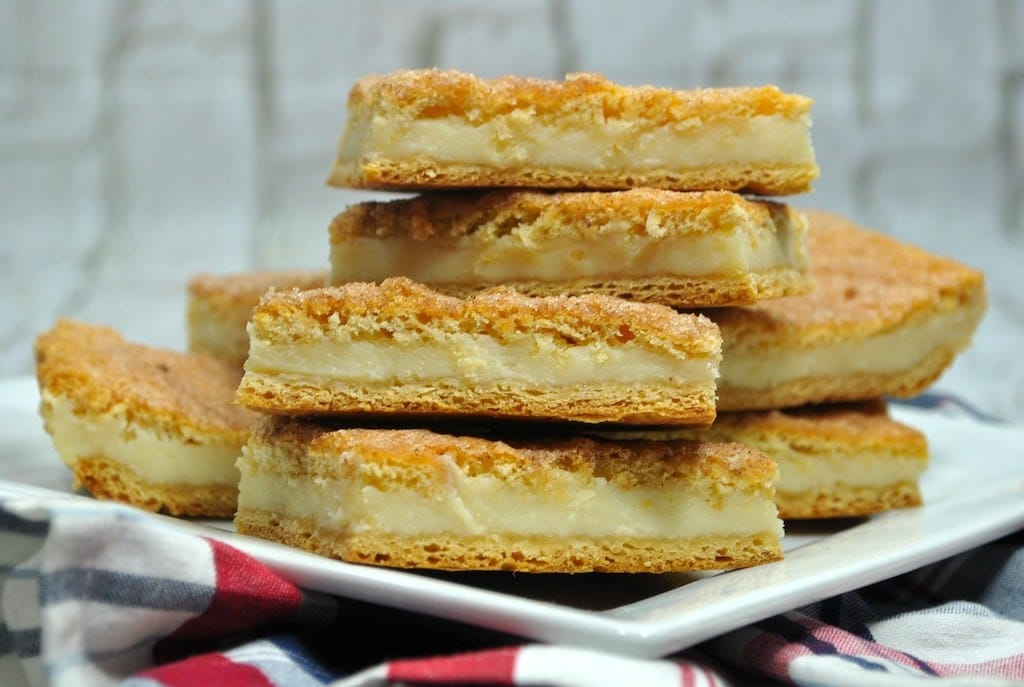 These churro cheesecake bars are the perfect dessert to serve at the end of any meal. Everyone will love the crunchy outside and creamy cheesecake inside.