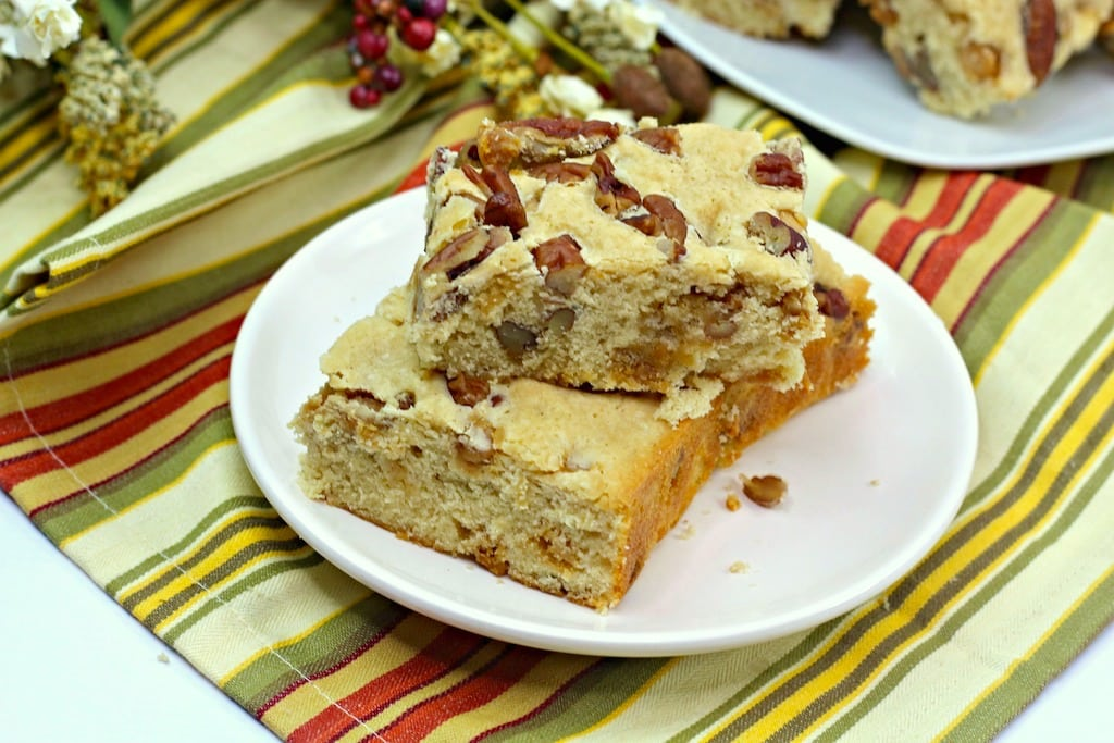 This easy butter pecan blondie recipe is perfect for when the kids are at home and everyone wants something sweet. And let's face it, EVERYONE is at home!