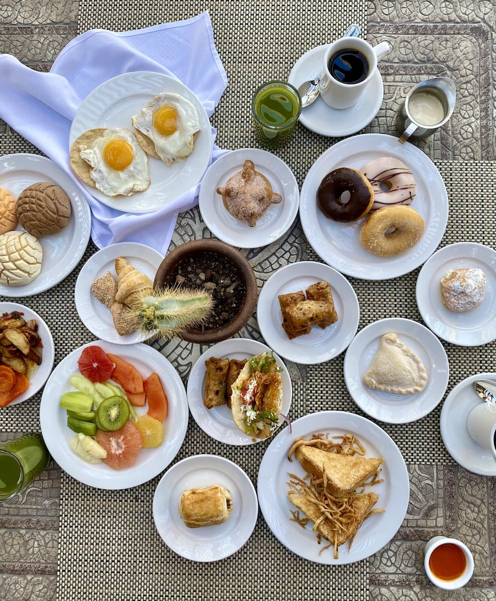breakfast at Villa del Palmar
