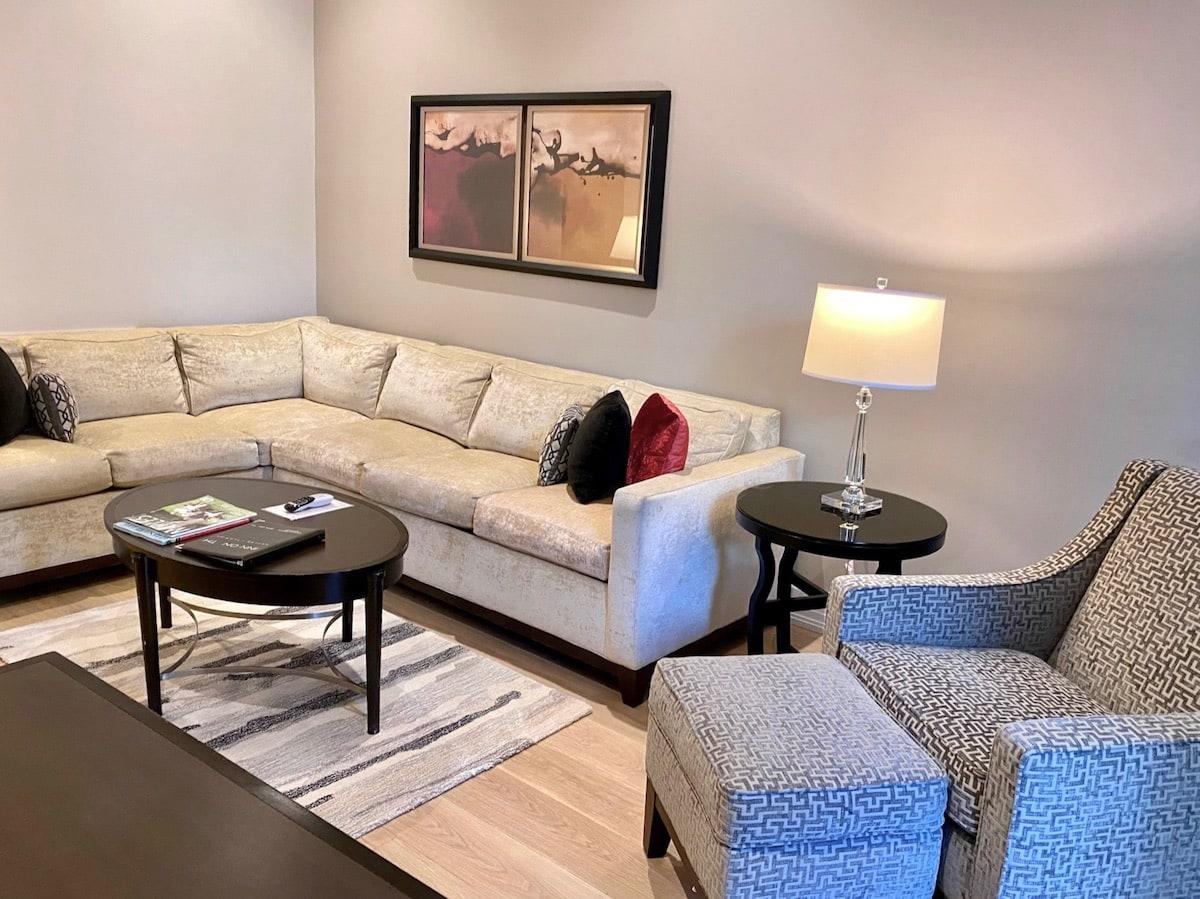 living room luxury hotel Naples Florida