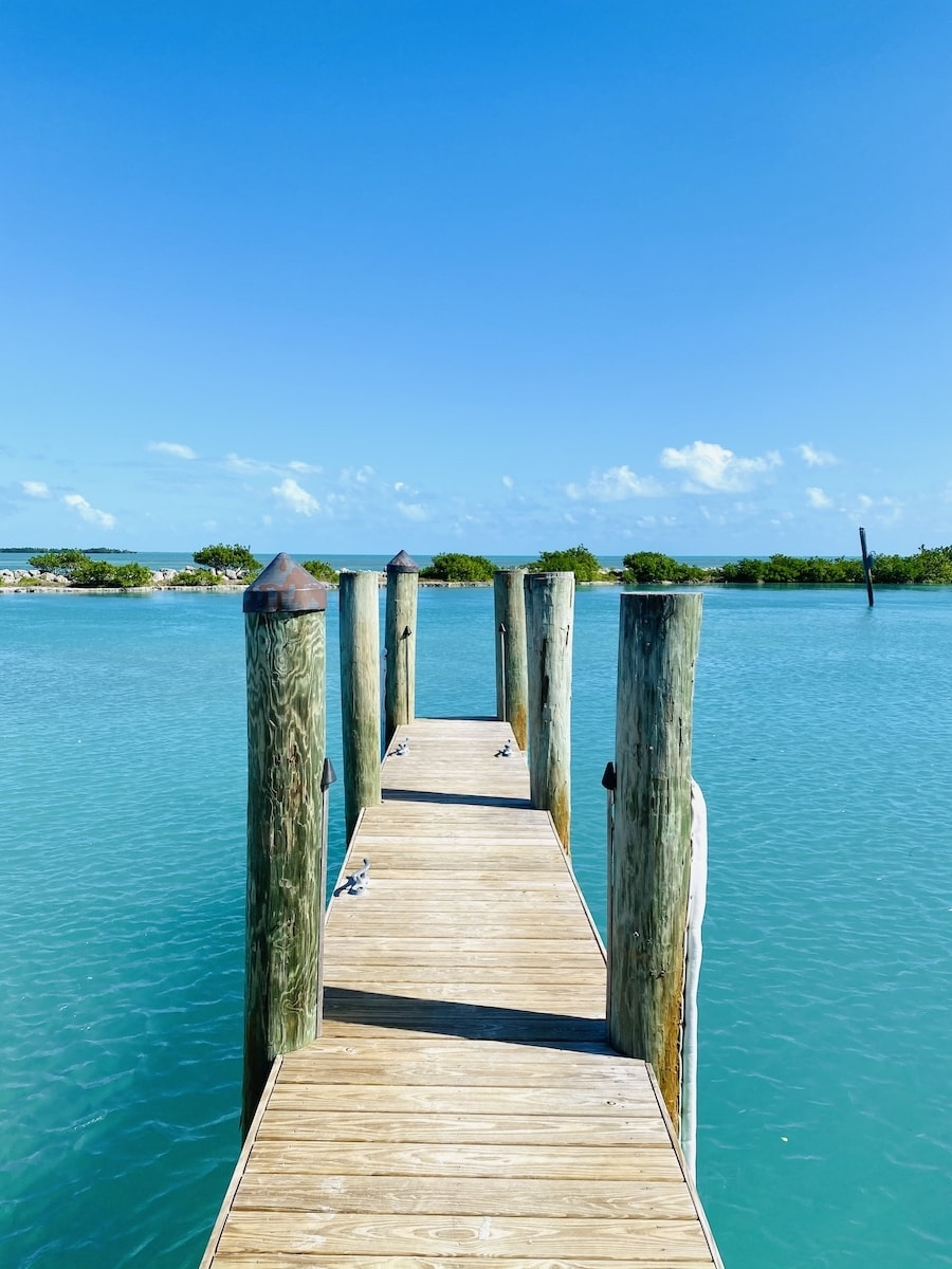 Hawk's Cay dock