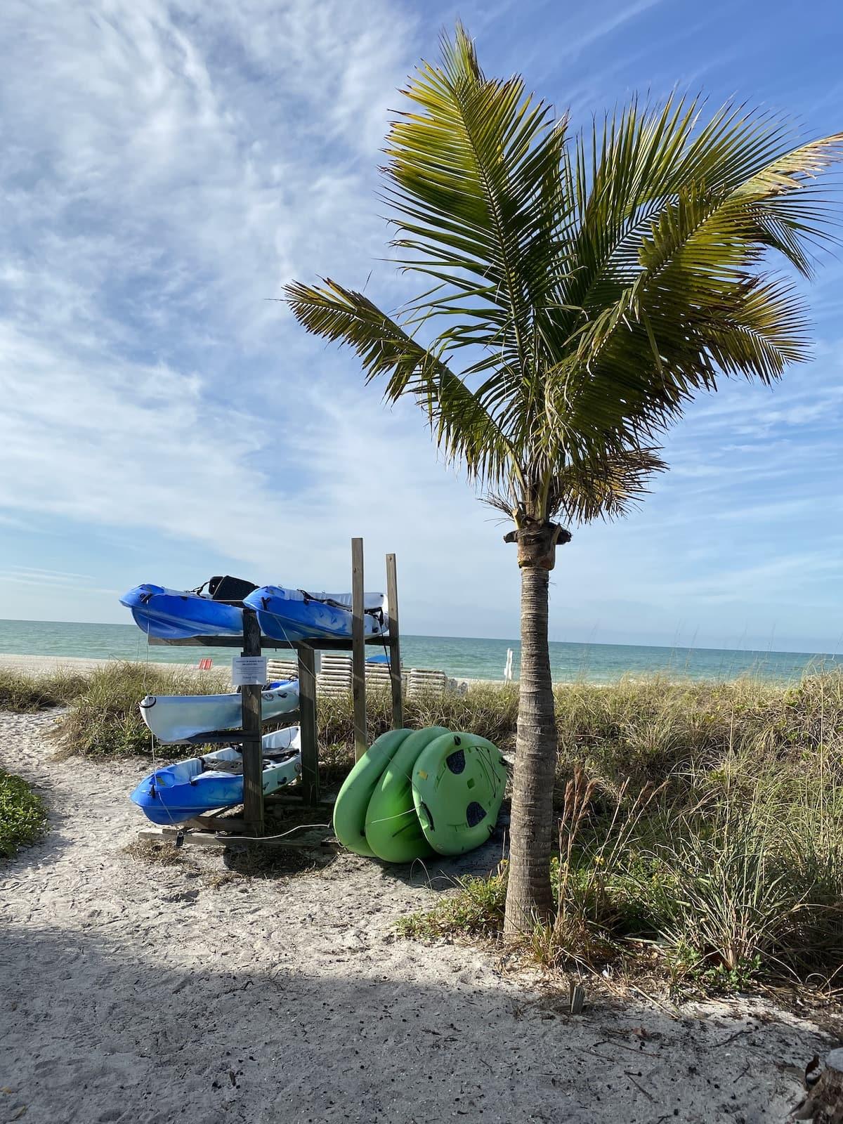Kayaks at Mainsail Beach Inn.