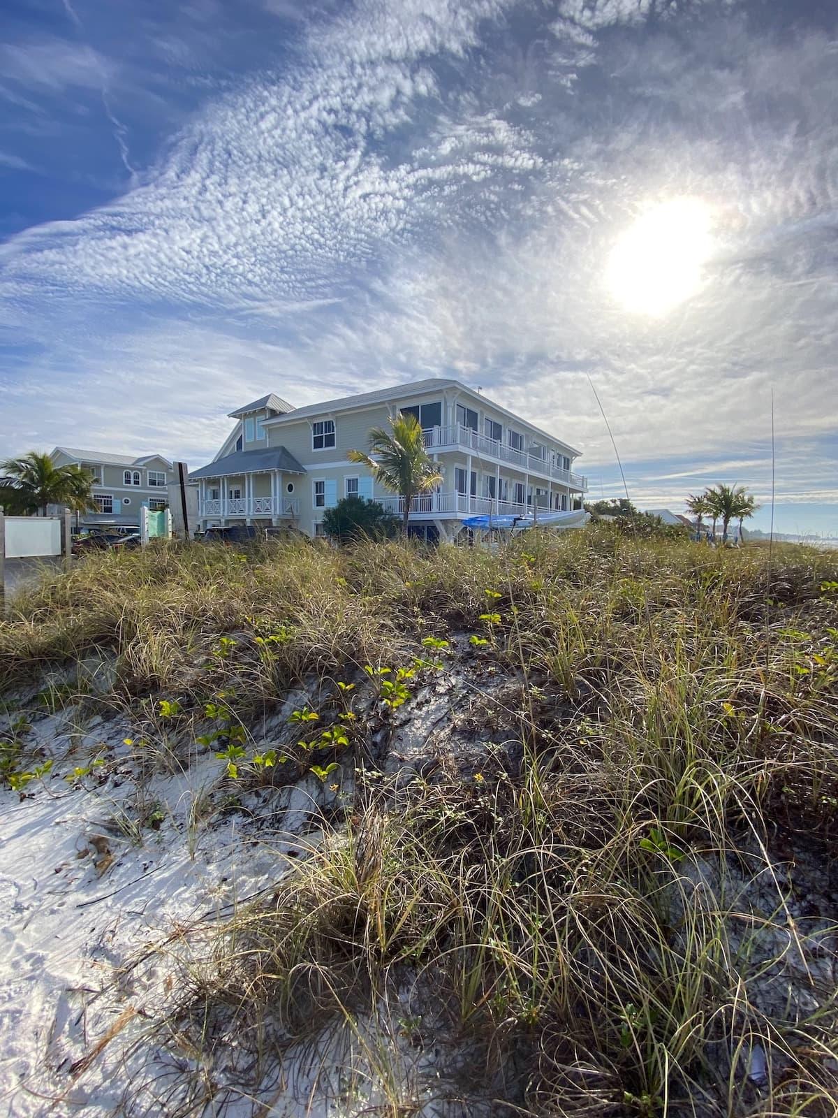 Mainsail Beach Inn on Anna Maria Island Beaches.
