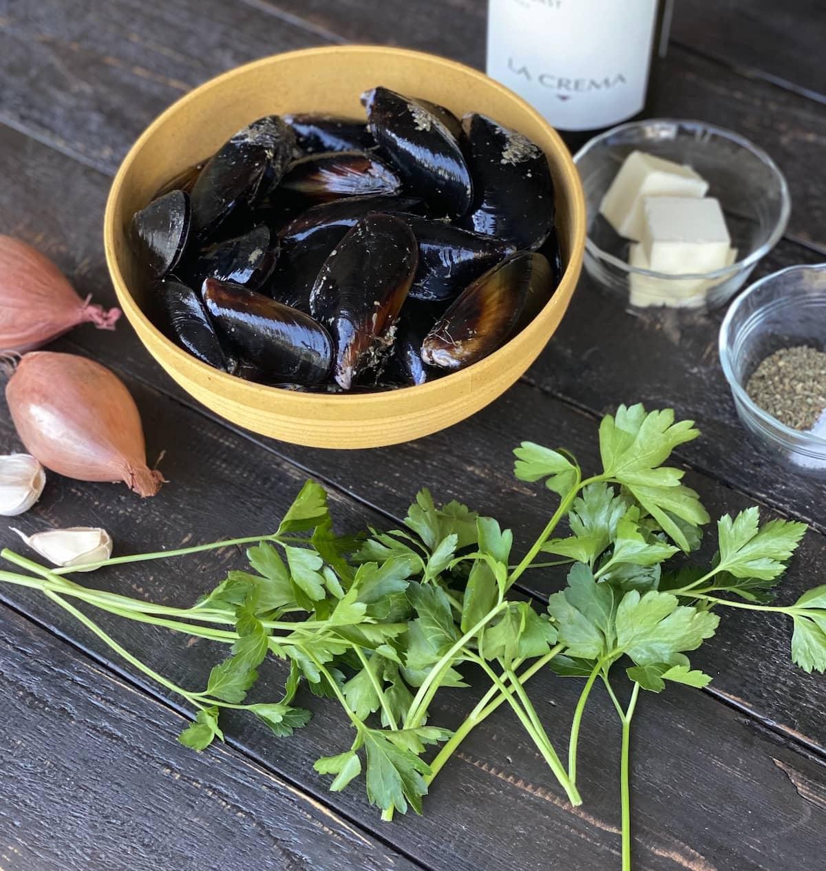 Ingredients for Drunken Mussels.