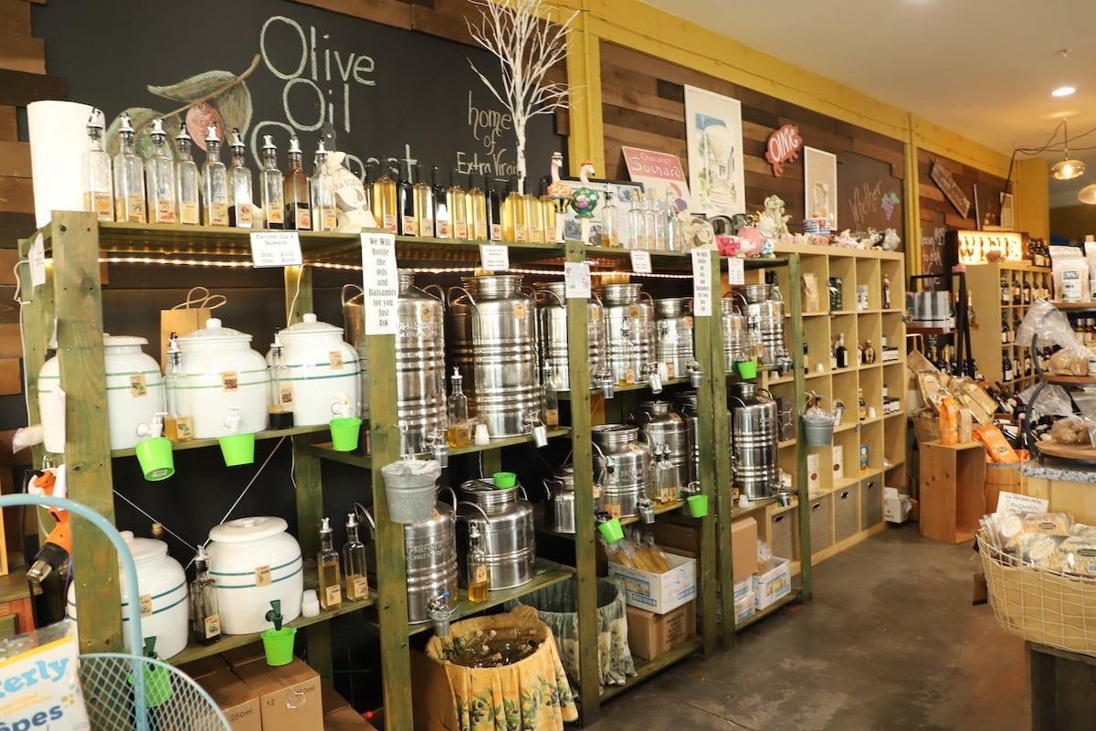 Pine Avenue Food shop