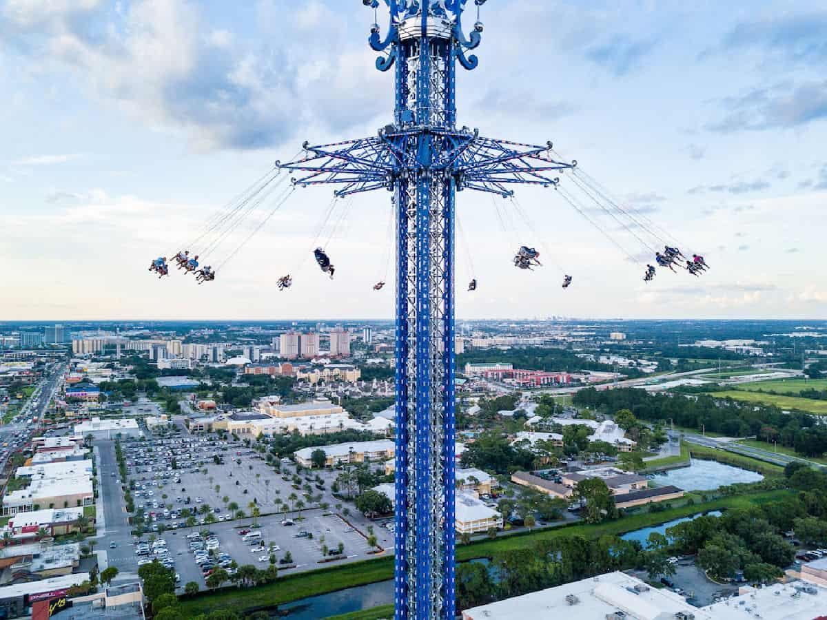 Orlando StarFlyer swings.